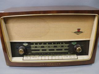 NORMANDE MODEl TABlE TOP RADIO 23 X14