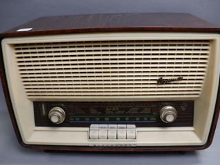 BlAUPUNKT GERMANY TABlE TOP RADIO