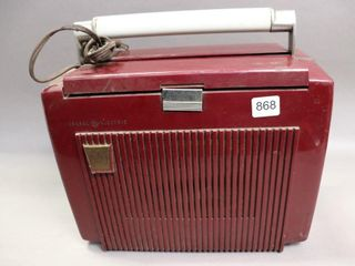 GE 640 PORTABlE RADIO