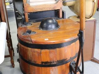 MAXWEllS lIMITED WOODEN ANTIQUE WASHER