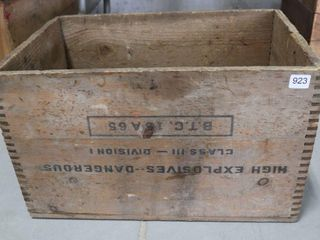 CANADIAN INDUSTRIES AMMUNITION BOX 18 X12 X11