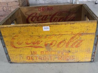 DRINK COCA COlA BOTTlE WOODEN CRATE