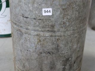 GAlVANIZED 5 GAllON FUEl CAN