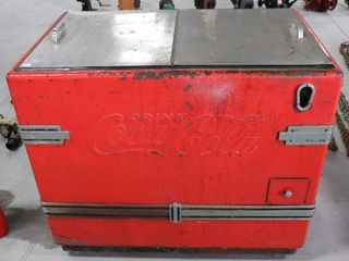 COCA COlA CHEST COOlER   NOT TESTED 42 X27 X37