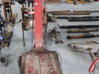 T  EATON PlATFORM SCAlE WITH WEIGHTS