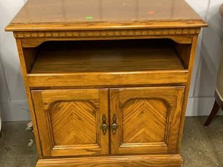 Media Cabinet With Slide Out And 2 Doors 31x18x32