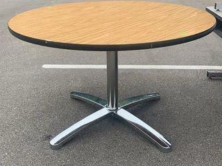 Round Table 48x30
