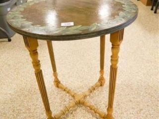 Round Table w Spindle Type legs