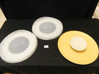 Tupperware Trays   3  Vintage
