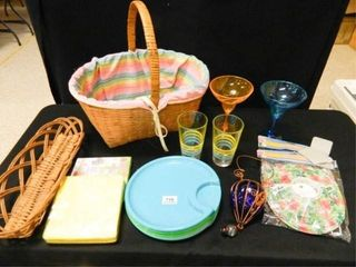 Baskets  Plastic Plates  Napkins