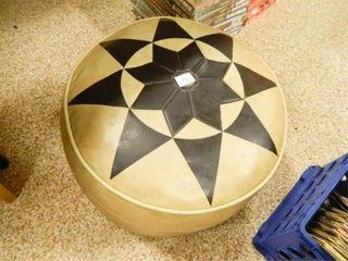 Round Ottoman  w Star Design