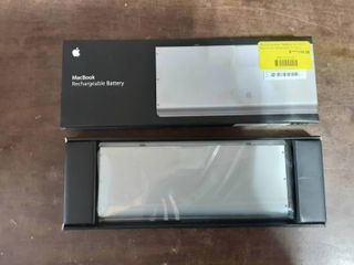 NEW Mac Book Re-Chargeable Battery For 13.3 Aluminum Mac Book 1 Gen