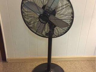 Adjustable Multi speed Floor Fan  works
