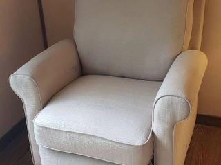 Beige Tweed Recliner   34 x 36 x 40 in    Seat  20 in  wide