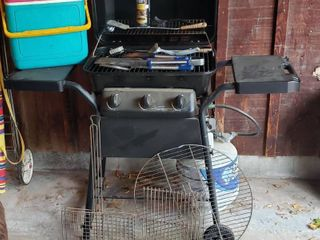 Expert Propane BBQ Grill w Utensils  Igloo 24 Cooler  and Other Grilling Parts