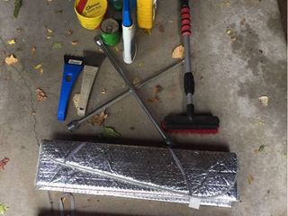 Auto Supplies  Sun Shields    Scrapers
