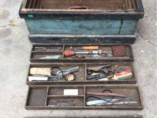 Antique Wood Tool Chest with Drawers   includes all tools