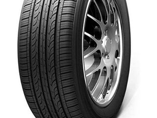 Kumho Solus KH25 All Season Tire   215 55R17