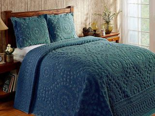 Better Trends Rio Collection in Floral Design 100  Cotton Tufted Chenille