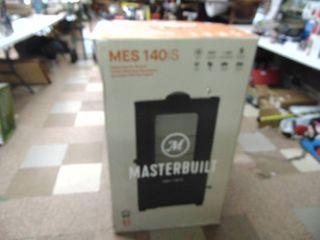 Master Built Digital Smoker   Dented