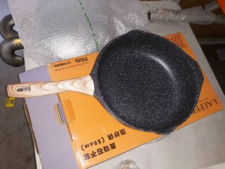 laefero 11  Nonstick Wok with lid