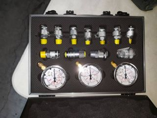 XZT 60M Hydraulic Pressure Test Coupling Kit