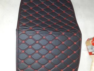 23 A13  black and red leather car mat