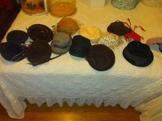 lot Of Vintage ladies Hats