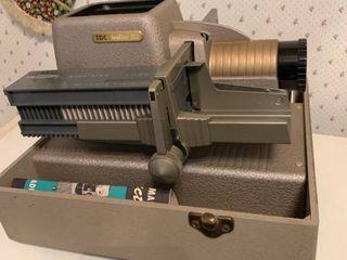 Vintage TDC Vivid Headliner 303 Slide Projector Needs Bulb location Kitchen