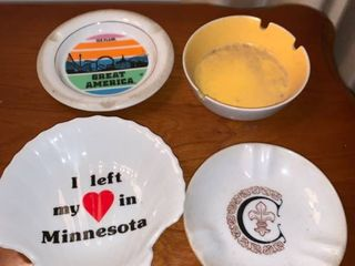 Lot of 4 Ashtrays Location Mantel