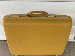 Nice little Yellow Vintage Samsonite Montbello II Suitcase location Spare