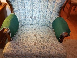 Floral Tuffed Armchair