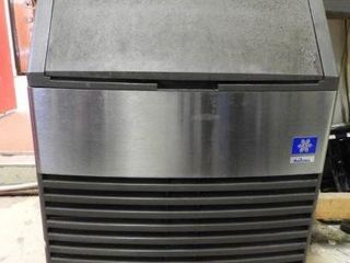 Lot #3795 -Manitowoc model QY02144A Stainless