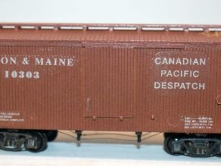 Boston & Maine 1303 36ft Wood Box Car HO