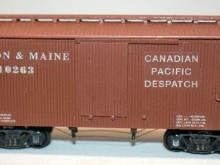 Boston & Maine 10263 36ft Wood Box Car HO