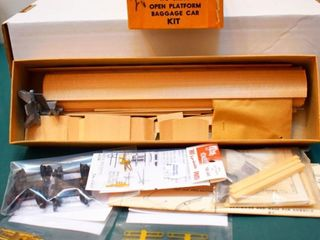Open Platform Wood Baggage Kit Ambroid HO