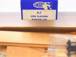 Open Platform Wood Baggage Kit Ambroid HO