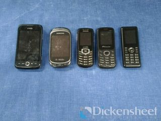 Flip phones-(5) in lot inc-