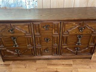 Nine drawer wooden dresser, in great