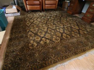 Large and Beautiful Hom Area Rug