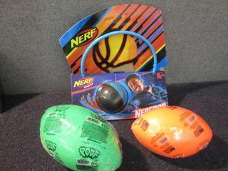 Nerf Hoop & 2 Footballs W2...