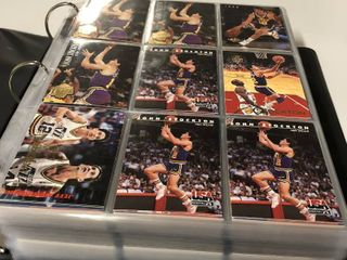 Huge Collection of over 500 John Stockton Basketball Cards   Mint in Binder   All Utah Jazz