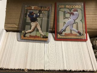 Complete 1999 Topps Series 1 and Series 2 with Mark McGwire and Sammy Sosa Home Run Baseball Cards