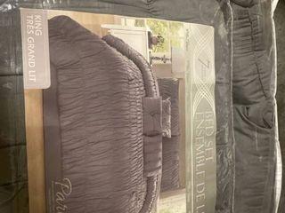 Safdie   Co  Collection Paris 7 Piece Comforter Set  King
