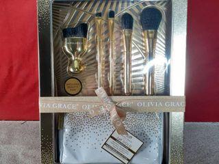 Olivia Grave luminous Style Makeup Brush Set