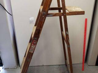 Wooden 5 Ft ladder