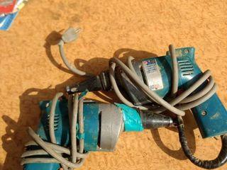 2 Makita drywall screwdrivers working