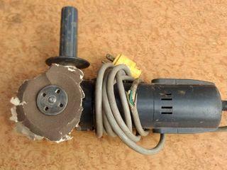 1 working grinder