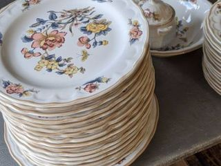 75 pieces of haeng nam stoneware