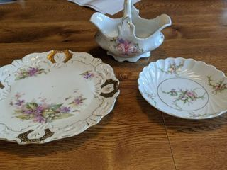 The plate little basket and little plate